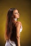 Piękny fachowy tancerz wykonuje latynoskiego tana Pasja i wyrażenie Obraz Stock