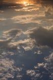 Piękny niebo, wschód słońca nad niebieskie niebo i chmury, Obraz Stock