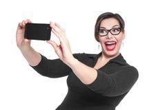 Piękny plus wielkościowa kobieta robi obrazkowi ona selfie isola Zdjęcie Royalty Free