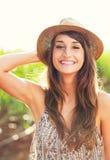 Piękny portret beztroska szczęśliwa dziewczyna Zdjęcia Stock