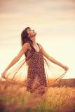 Piękny portret beztroska szczęśliwa dziewczyna Zdjęcie Royalty Free