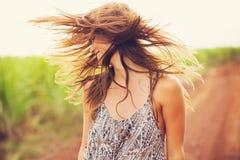 Piękny portret beztroska szczęśliwa dziewczyna Fotografia Stock
