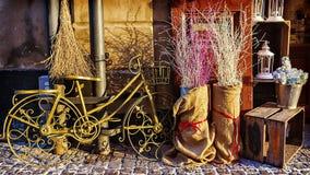 Piękny retro Dekoracyjny zielony bicykl Zdjęcia Royalty Free