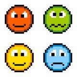 Piksel emoci ikony - Gniewne, Chory, Szczęśliwy, Smutny Odosobniony na bielu, Fotografia Royalty Free