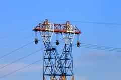 Pilão da eletricidade, linha elétrica Fotografia de Stock Royalty Free