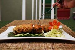 Pilão de galinha fritada Fotos de Stock Royalty Free