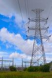 Pilón de alto voltaje de la electricidad Foto de archivo libre de regalías