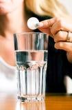 Pil en glas Stock Foto's