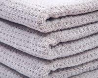 Pila, acción de las toallas de baño orgánicas gruesas del algodón Fotografía de archivo