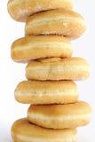 Pila de anillos de espuma en el fondo blanco Imagen de archivo libre de regalías