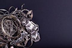 Pila de art?culos de la plata del pedazo imagen de archivo libre de regalías