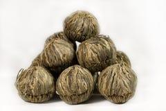 Pila de bolas del té verde imagen de archivo libre de regalías