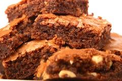 Pila de brownie recientemente cocidos al horno Imágenes de archivo libres de regalías