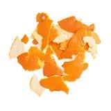 Pila de cáscara de la mandarina aislada en blanco Fotografía de archivo