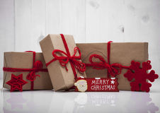 Pila de cajas de regalo de la artesanía Fotos de archivo