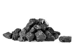 Pila de carbón aislada en blanco Imagenes de archivo