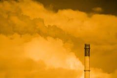 Pila de chimenea de la contaminación Fotos de archivo