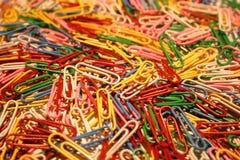 Pila de clips de papel Fotografía de archivo libre de regalías