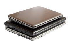 Pila de computadoras portátiles Foto de archivo