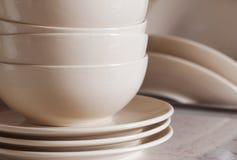 Pila de cookware limpio imagen de archivo