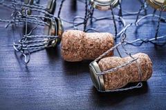 Pila de corchos y alambres del champán Imagen de archivo libre de regalías