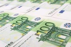 Pila de 100 cuentas euro Imagen de archivo libre de regalías