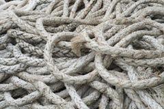 Pila de cuerdas blancas gruesas Imagen de archivo