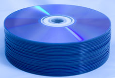 Pila de discos de CD/DVD Fotos de archivo libres de regalías