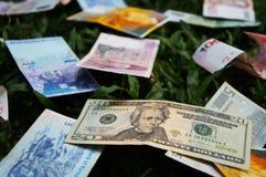 Pila de diversos billetes de banco Imágenes de archivo libres de regalías