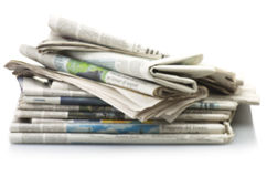 Pila de diversos periódicos Fotografía de archivo libre de regalías
