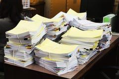 Pila de documentos inacabados Imagen de archivo libre de regalías