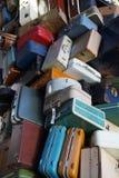 Pila de equipaje viejo Imagenes de archivo