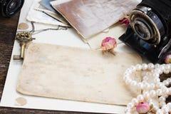 Pila de fotos viejas Fotografía de archivo libre de regalías