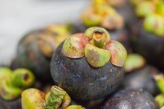 Pila de fruta del mangostán Fotos de archivo