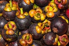 Pila de frutas del mangostán Fotos de archivo libres de regalías