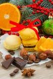Pila de galletas amarillas para las decoraciones de la Navidad Imagen de archivo libre de regalías