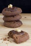 Pila de galletas del chocolate Fotografía de archivo libre de regalías