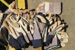 Pila de guantes del trabajo Imagen de archivo