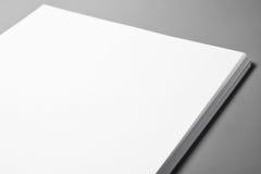 Pila de hojas de papel en blanco Fotografía de archivo