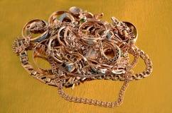 Pila de joyería del oro Fotografía de archivo libre de regalías