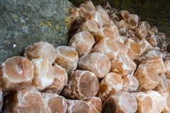 Pila de lámparas de la sal de roca foto de archivo