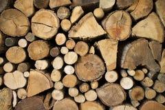 Pila de la chimenea de madera Foto de archivo libre de regalías