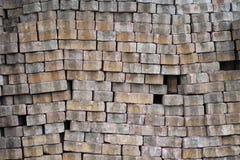 Pila de ladrillo viejo del cemento Imagen de archivo