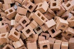 Pila de ladrillos rojos Fotografía de archivo libre de regalías