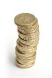 Pila de las monedas BRITÁNICAS £1 Imágenes de archivo libres de regalías