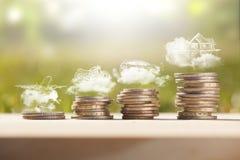 Pila de las monedas del dinero de los ahorros fotografía de archivo libre de regalías