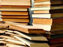 Pila de libros abiertos Imagen de archivo