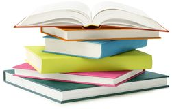 Pila de libros aislados Foto de archivo