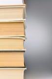 Pila de libros cerrados Fotografía de archivo libre de regalías