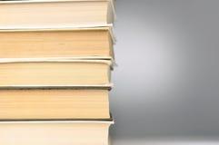 Pila de libros cerrados Imagen de archivo